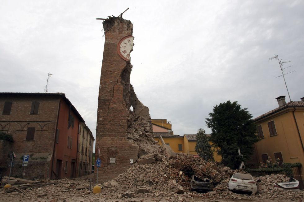 Terremoto dell'Aquila, arrestato un imprenditore impegnato nella 'ricostruzione': favorì la latitanza di un boss dei Casalesi