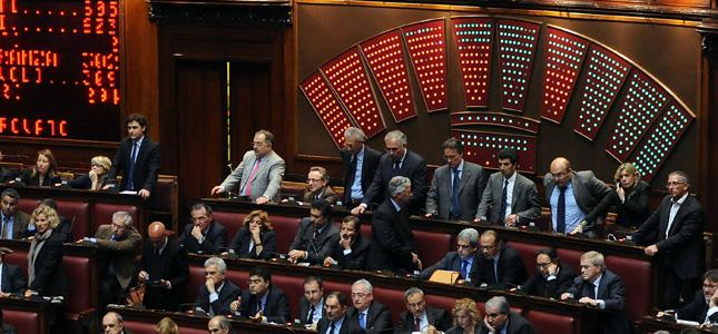 Errori dei giudici, Governo battuto alla Camera: per 7 voti passa un emendamento della Lega. Inasprite le pene per i magistrati