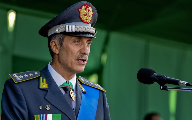 """Corruzione Gdf, il generale Bardi: """"Totalmente estraneo a fatti"""". Il Comandante Generale Capolupo: """"Non faremo sconti a nessuno"""""""