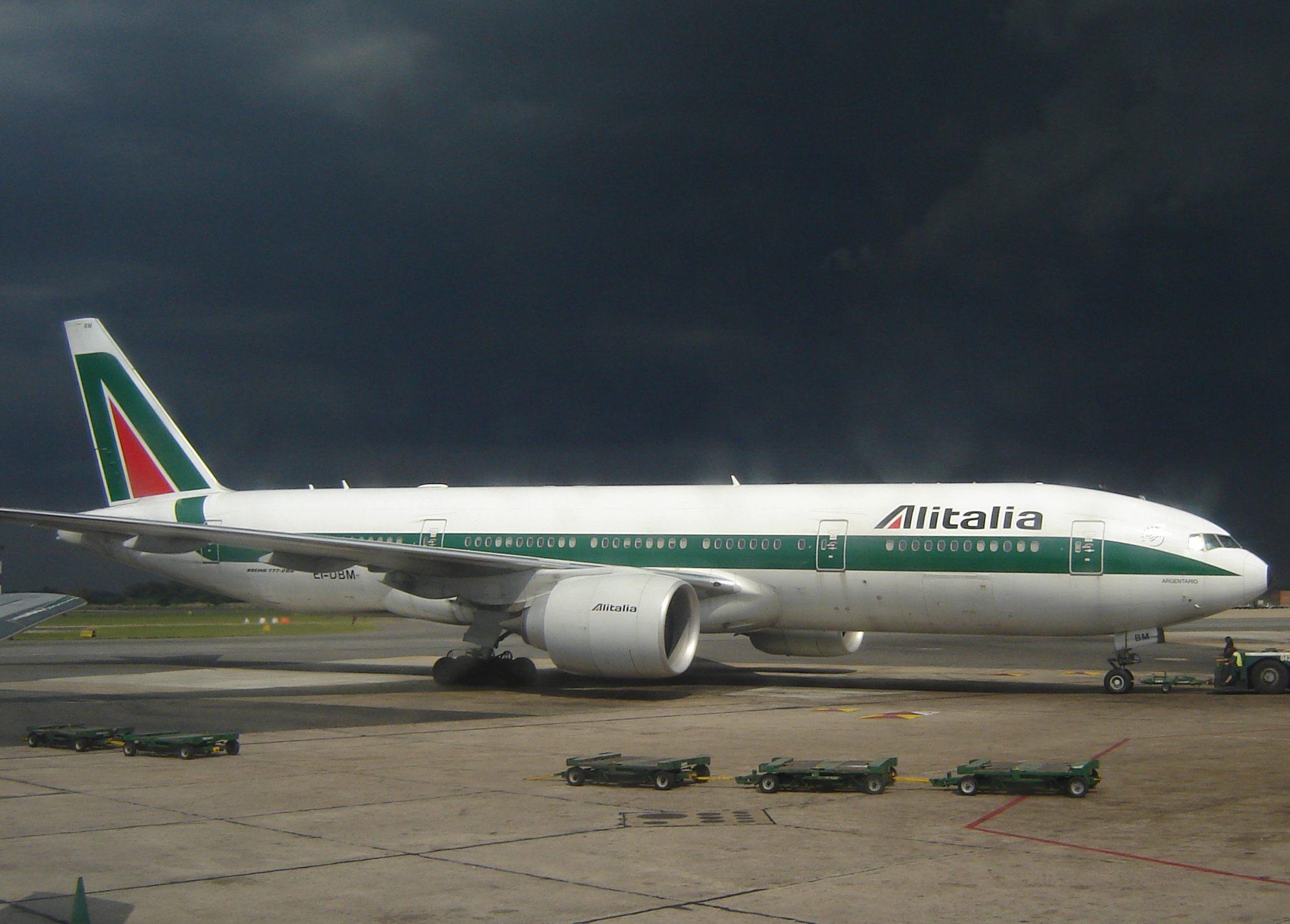 Caso Alitalia ad un bivio, si interrompe il tavolo con i sindacati. Lupi: accordo anche senza Cgil. Etihad: trattativa ancora in corso
