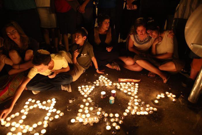 Striscia di Gaza, Israele ordina raid aerei contro Hamas per vendicare i tre ragazzi rapiti e uccisi in Cisgiordania