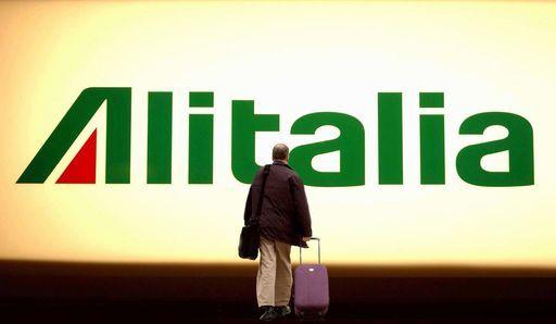 """Caso Alitalia, il Governo lancia l'ultimatum: """"Se non si chiude entro la prossima settimana 15mila a casa"""""""