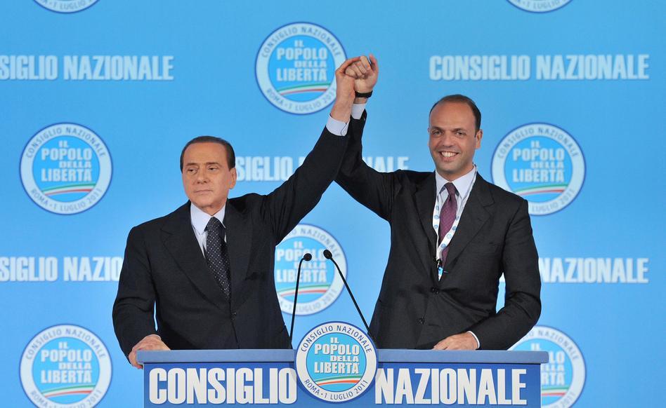 """Centrodestra, Berlusconi chiama Alfano dopo mesi di gelo: """"Entro fine estate riunirò tutti i moderati"""""""