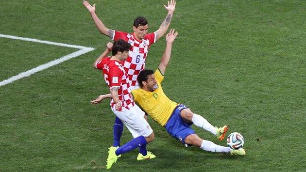 """Mondiali 2014, la Germania mette in guardia l'arbitro in vista della semifinale. Loew: """"Spero che riduca al limite le entrate fallose"""""""