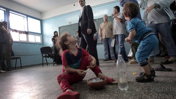Gaza, colpita una scuola gestita dalle Nazioni Unite, 20 morti. Il bilancio complessivo è di 1.258 vittime palestinesi e oltre 7.000 feriti