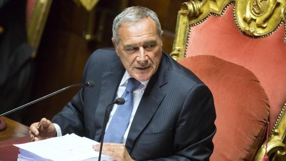 """Riforme, stallo in Senato, Grasso convoca i capigruppo. Il Pd pensa alla tagliola: """"Adesso basta ostruzionismo"""""""