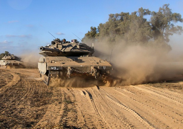 Medio Oriente, Israele invade Striscia di Gaza: 143 gli obiettivi colpiti