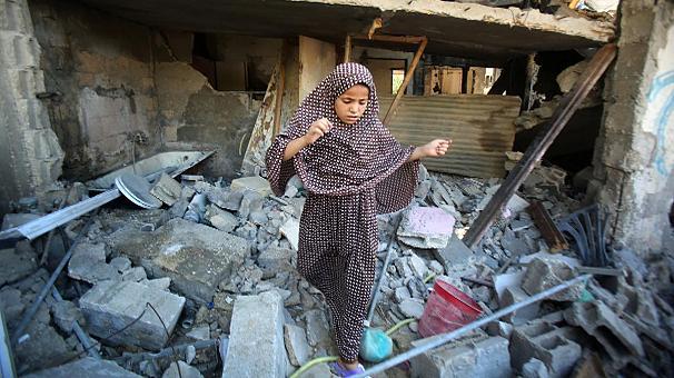 Striscia di Gaza, non si placa l'offensiva israeliana: oltre 300 morti, di cui due terzi civili, e più di 2.100 feriti