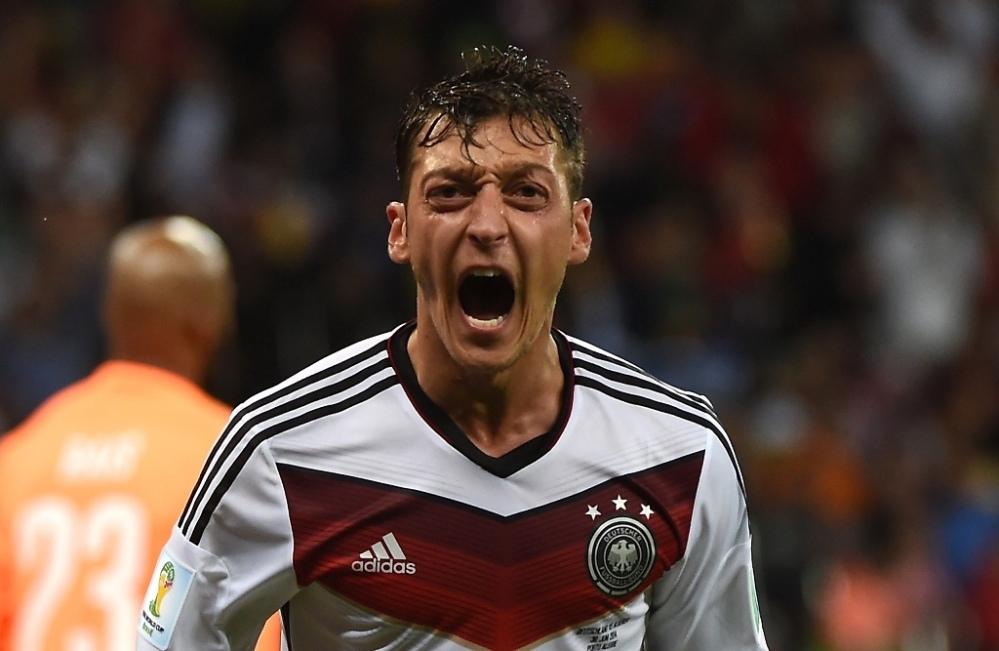Mondiali 2014, la Germania passa ai quarti, ma con molta sofferenza. Algeria piegata solo ai supplementari