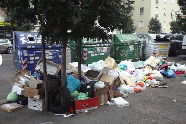 """Gestione Rifiuti, la Corte di Giustizia dell'Unione Europea da all'Italia una maxi-multa di 40 milioni di euro: """"E' venuta meno agli obblighi stabiliti"""""""