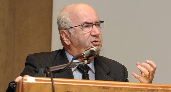 """Figc, Tavecchio sempre più verso la presidenza. Agnelli: """"Se lo eleggono  io fuori dal Consiglio"""""""