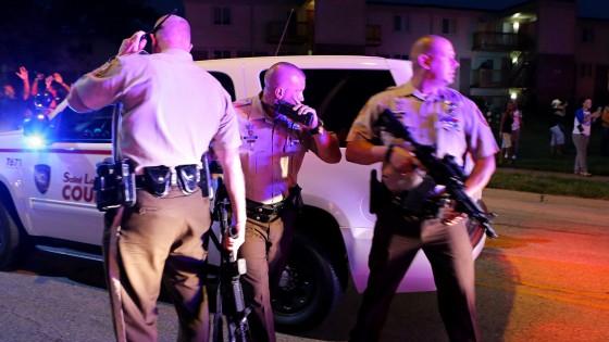 Missouri, non si ferma la rabbia nera contro la polizia. Inchiesta Fbi sull'uccisione del giovane di colore