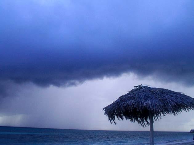 """L'estate che non c'è: nuvole al centro, temporali al nord. Sanò (meteto.it): """"Da lunedì bel tempo fino a Ferragosto"""""""