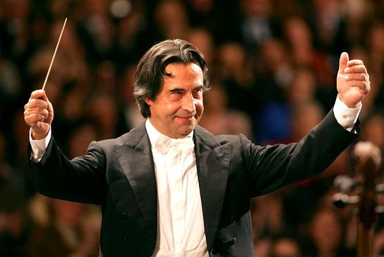 """Opera di Roma, il maestro Muti lascia il Teatro. Cancellate Aida e Nozze di Figaro: """"Non ci sono le condizioni per garantire la serenità necessaria"""""""