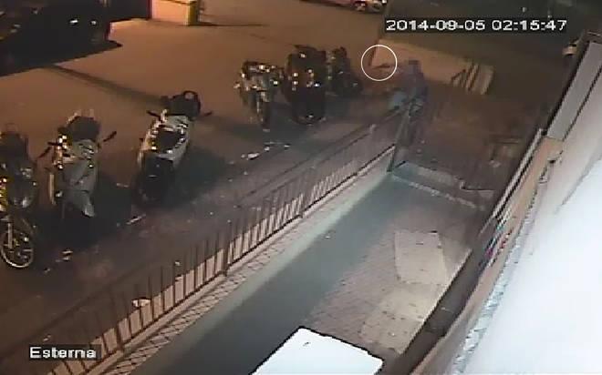 Diciassettenne ucciso a Napoli, spunta il video dell'inseguimento