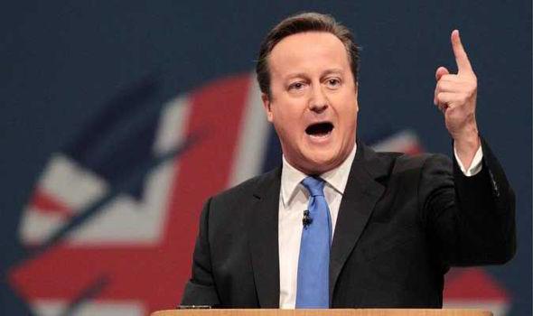 """Lotta al terrorismo, Londra dice Sì ai bombardamenti in Iraq contro l'Isis. Cameron: """"I raid potrebbero durare anni"""""""