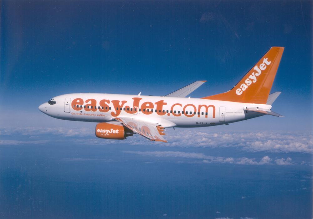 Easyjat, paura e feriti sul volo Londra-Napoli: il maltempo costringe il pilota ad atterrare a Fiumicino