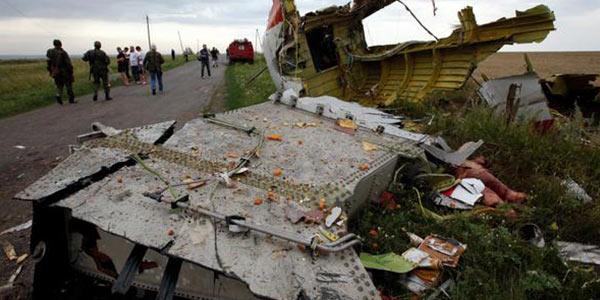 """Malaysia Airlines, l'aereo caduto il 17 luglio in Ucraina fu abbattuto """"da oggetti ad alta energia provenienti dall'esterno del velivolo"""""""