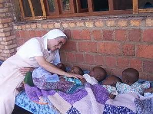 """Strage in Burundi, tre suore missionarie italiane rimaste uccise in una rapina. Mogherini: """"E' un grande dolore"""""""