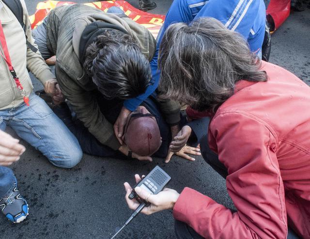 """Scontri tra polizia e operai Terni-Ast di Roma, Renzi: """"Accerteremo le responsabilità per quanto accaduto"""""""