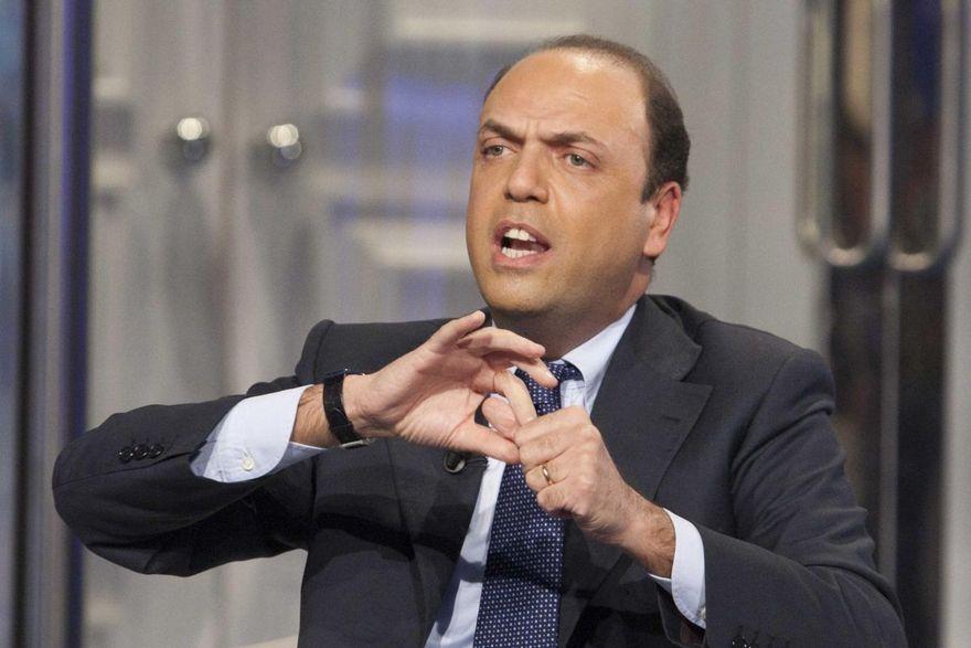 """Post voto al Quirinale, Alfano: """"Io non tratterrò nessuno come non ho costretto nessuno a venire… chi ci sta ci sta"""""""