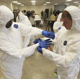 Ebola, medico italiano di Emergeny contagiato in Sierra Leone. Staserà tornerà in Italia