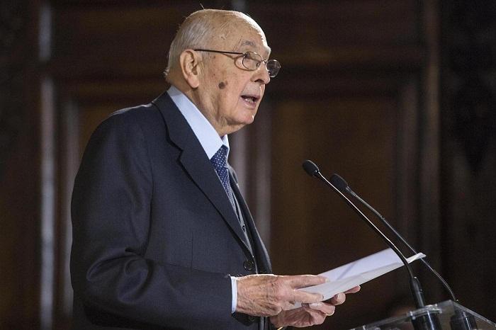 """Dimissioni di Napolitano, il Presidente in una nota: """"Sono nella pienezza delle funzioni, farò il bilancio di questa fase straordinaria, poi deciderò"""""""