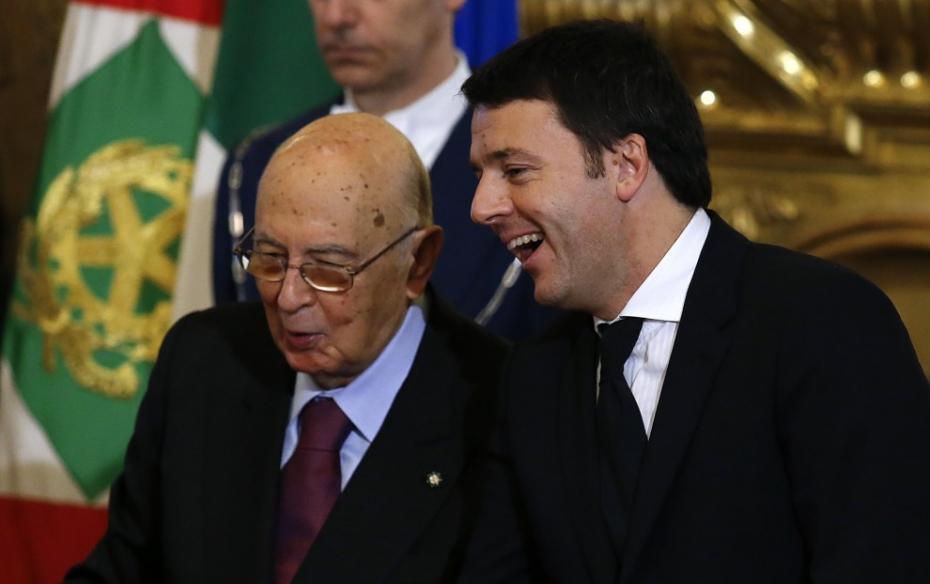 """Legge di Stabilità, Napolitano incoraggia con Renzi: """"Ci sono misure importanti per la crescita"""". Grillo: """"Ci saranno 4 mld di tagli alla Sanità"""""""