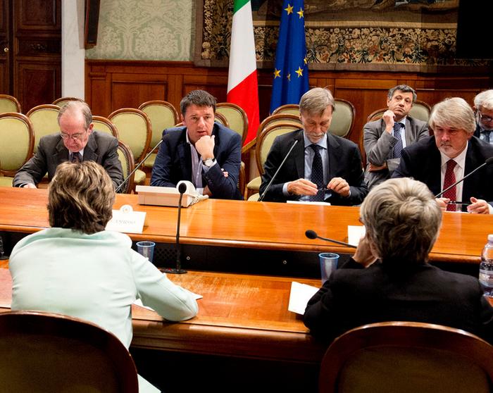 """Lavoro: Vertice Renzi-sindacati. Fiducia del premier sul Jobs Act. Camusso: """"Pronti al confronto ma anche al conflitto"""""""