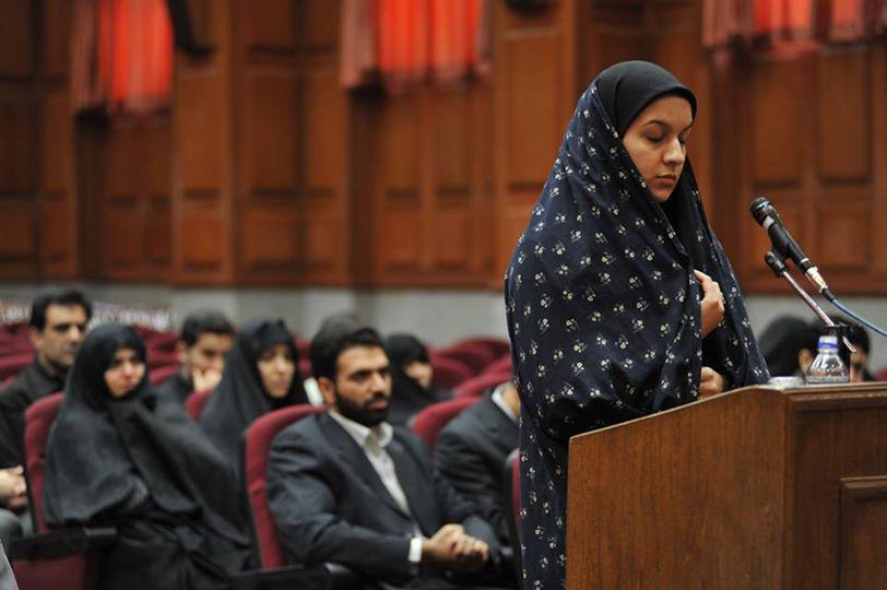 Iran, Reyhaneh Jabbari impiccata perché ha ucciso il suo stupratore. Non sono bastati gli appelli e la mobilitazione del mondo per liberarla