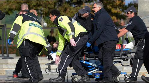 Canada, spari fuori il parlamento di Ottawa, ferito un militare. Ieri un altro soldato era stato ucciso da un estremista islamico