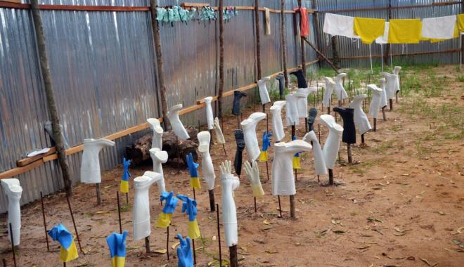 """Contagio ebola, l'Onu lancia l'allarme: """"C'è il pericolo che si diffonda per via aerea"""""""