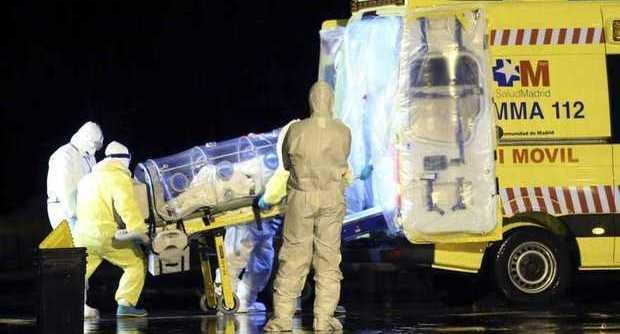 """Terrore Ebola, Europa e Stati Uniti: """"I contagiati vanno curati nei loro Paesi"""". L'Italia stanzia 50 milioni per la lotta al virus"""