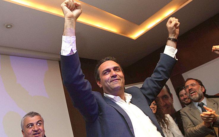 """Napoli, il Tar Campania reintegra de Magistris. L'ex pm: """"Torno con ancora più energia e passione ad essere il Sindaco della mia amata Napoli"""""""