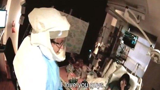 """Dallas, l'infermiera Nina Pham, contagiata dall'Ebola, compare in un video e ringrazia chi si occupa di lei: """"Vi voglio bene"""""""