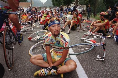Giallo sulla morte di Pantani, la procura di Forlì apre un'inchiesta per Associazione a delinquere finalizzata alla frode sportiva e alla truffa