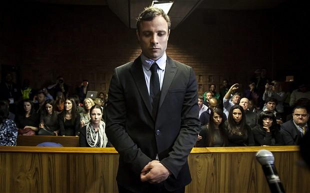 """Pistorius è stato condannato a cinque anni per l'omicidio della fidanzata Reeva Steenkamp. Il legale dell'atleta: """"Starà in galera solo 10 mesi"""""""