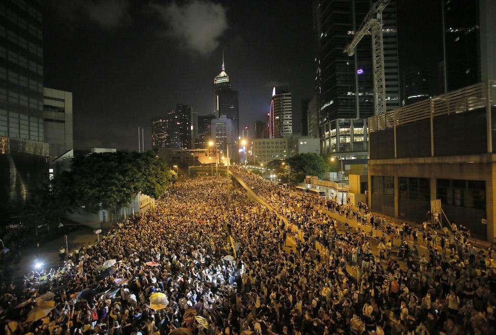 """Hong Kong, gli studenti danno l'ultimatum al premier: """"Si dimetta entro domani o dovrà affrontare nuove e aggressive forme di protesta"""""""