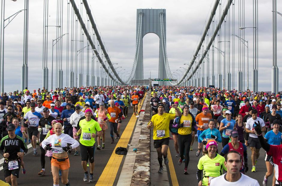Maratona di New York, la carica dei 50 mila. E' il giorno del Kenya. L'italiana Valeria Straneo, vicecampionessa mondiale, all'ottavo posto