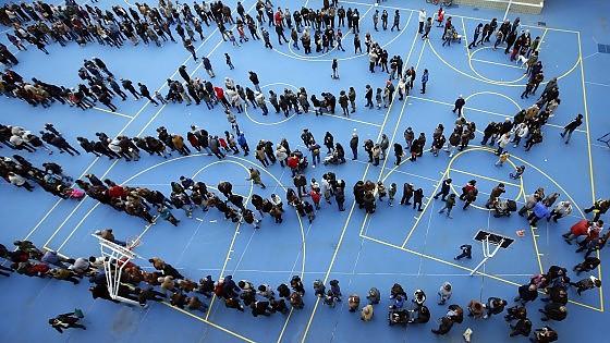 """Barcellona, oltre due milioni di spagnoli hanno votato al referendum 'illegale' sull'indipendenza della Catalogna: """"L'80,72 per cento ha votato sì"""""""