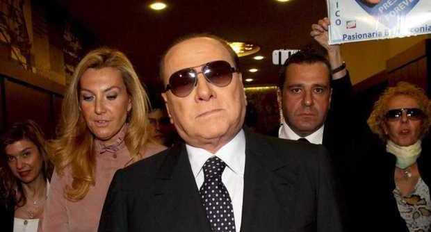 Berlusconi al San Raffaele, l'uveite si aggrava lo costringe a un ricovero per una settimana