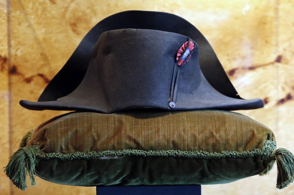 Francia, cappello di Napoleone venduto all'asta per quasi due milioni di euro