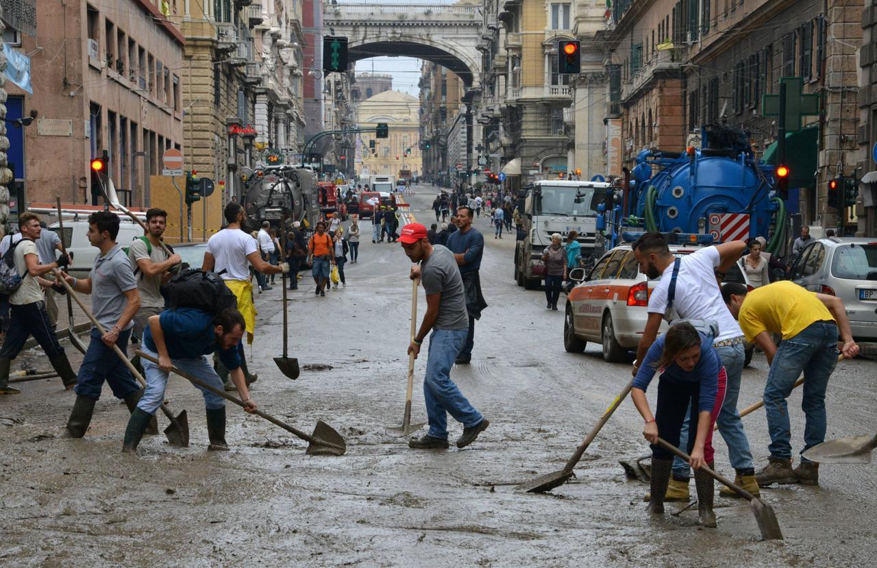 """Calamità al nord, Delrio in visita a Genova: """"Il patto di stabilità non sarà un problema per i comuni colpiti dalle alluvioni"""""""