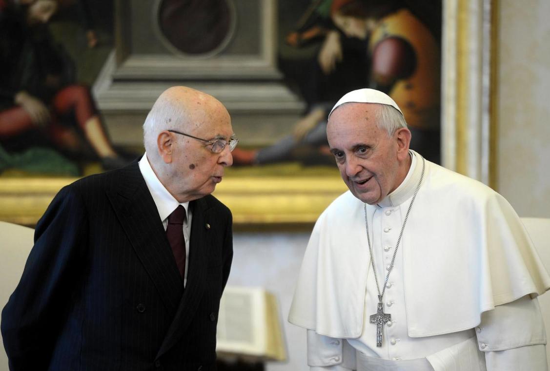 Roma, Napolitano incontra a sorpresa Papa Francesco. Tra i temi trattati anche le dimissioni anticipate del Presidente