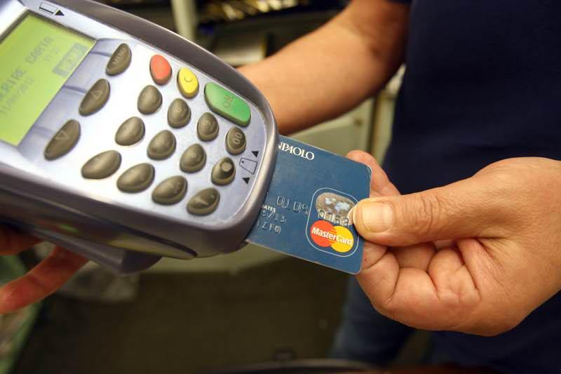 Evasione fiscale, i negozi saranno collegati via web col Fisco