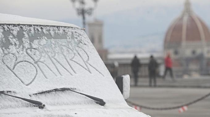 Maltempo, arriva il freddo e gelo annunciato da giorni. Previste nevicate al nord