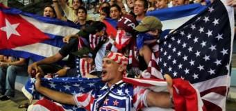 Crolla il muro Usa-Cuba: scambio di prigionieri e apertura ai visti. Obama: ora via all'embargo. Decisiva la mediazione di Papa Francesco