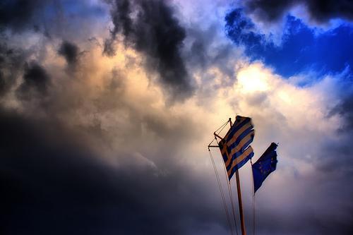 """Scontro Tsipras-Ue: la Bce non darà più soldi alle banche greche. Schulz: """"Se loro cambiano gli accordi, noi non saremo più obbligati a rispettarli"""""""