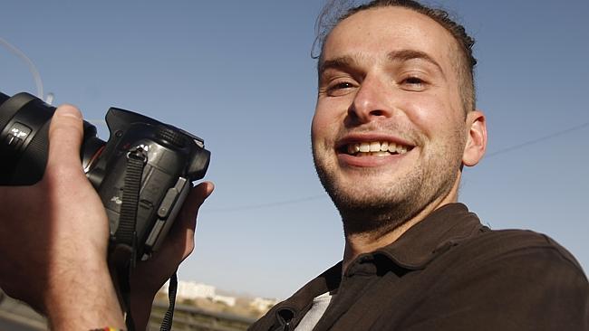Yemen, l'ostaggio americano Luke Somers è morto nel corso di un raid per tentare di liberarlo. L'ostaggio sarebbe stato colpito da un drone