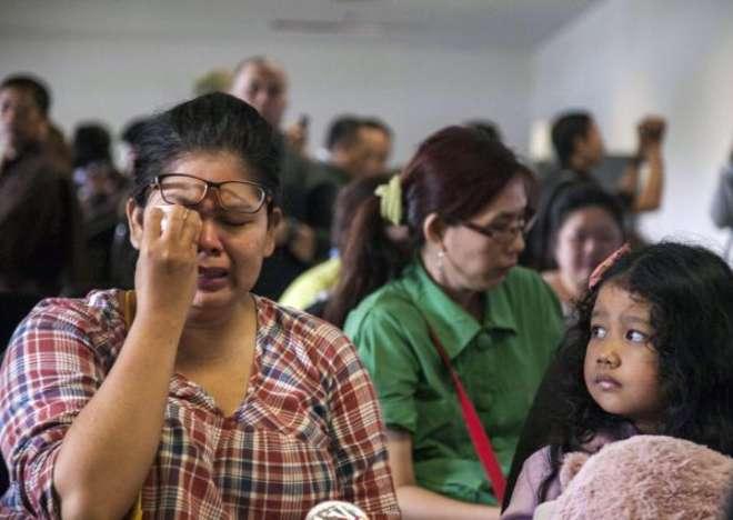 Singapore, recuperati in mare oltre 40 corpi dei passeggeri del volo AirAsia sparito dai radar durante una tempesta